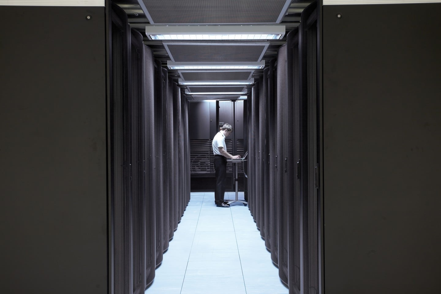 INTERSERVE AND SUDLOWS WIN FTSE 100  UTILITY COMPANY DATA CENTRE CONTRACT