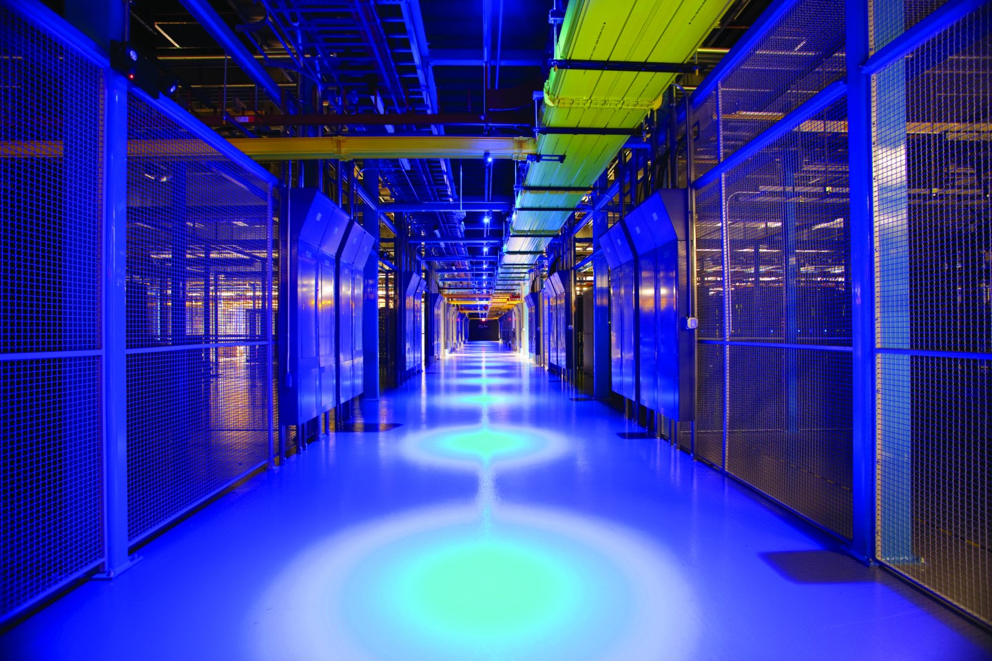 6 Questions for Developing a Global Data Center Strategy